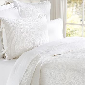 Hanna Wholecloth Quilt, King/Cal. King, White