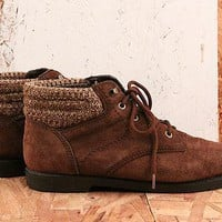 Vintage No. 578 Brown Suede Lace Up Ankle Boot SIze 8 in Earthy Brown at Solestruck.com