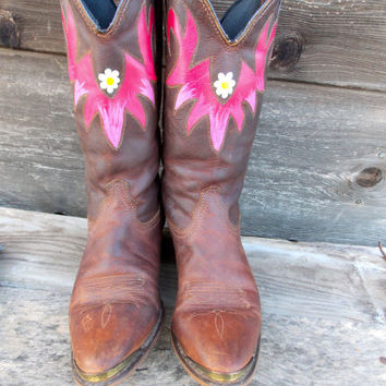 Hand Painted Cowgirl Boots - Pink and Daisies