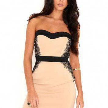 Missguided - Makea Lace Trim Bodycon Dress