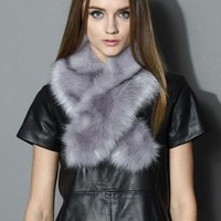 Chicwish Faux Fur Collar