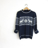 vintage Reindeer and Snowflake sweater. Winter Christmas sweater. Navy blue & white. Holiday novelty sweater. / size M
