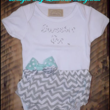 """Gray Chevron Diaper Cover Bloomers for Baby Girl """"She's A Sweetie Pie"""" Baby Set  Onesuit Set Baby Pants"""