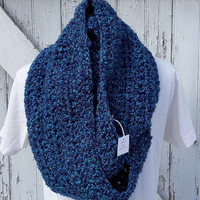 READY TO SHIP, Rich Blues Crochet Loop Scarf, Infinity Scarf, Large Chunky Scarf, Fall Winter, Women's Accessory, Cowl