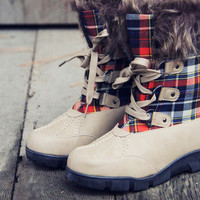 Tartan Flurries Snow Boots in Smoke