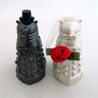 Doctor Who Cake Toppers, Gunmetal Grey Dalek Groom & Metallic White Bride,Geeky Wedding