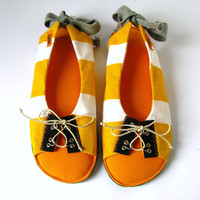Handmade Puffy Sandals Lace up Women Shoes Slippers in Yellow White Orange Striped Cotton, Adjustable Vegan Shoes