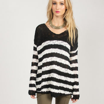 Dreamy Black and White Striped Sweater - Black/White /