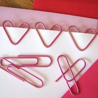 Heart-shaped paper clips | How About Orange