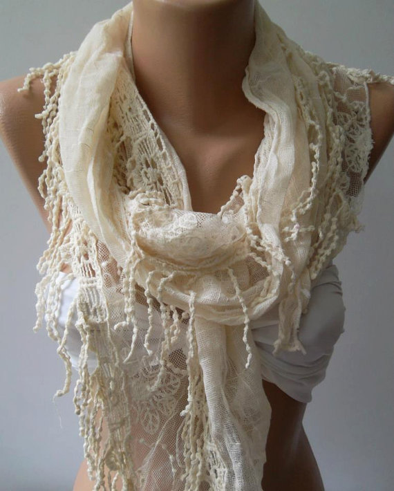 Ivory Beige -  fantastic - Elegance  Scarf - with Lace Edge