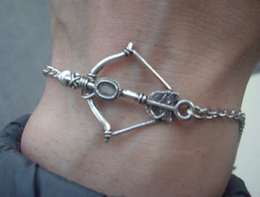 The Hunger Games Inspired bow Everdeen Girl on Fire bracelet