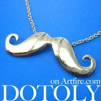 Handlebar Moustache Mustache Gold Pendant Necklace in Gold
