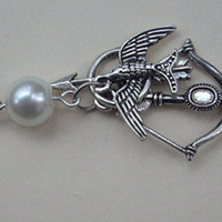 The Hunger Games ,Inspired Mockingjay ,peeta's pearl,,bow and Arrow Necklace -antique SILVER
