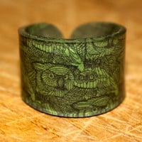 Green Owl Woodgrain Ring Choose Your Size by kaykreationsphoto