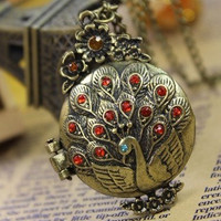 beautiful circle diamond  peacock pattern locket necklace(can open)