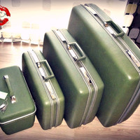 Vintage 60s AVOCADO Green Suitcase Luggage Set Train Case 4 Piece Nesting Hard Sided Locking SEARS