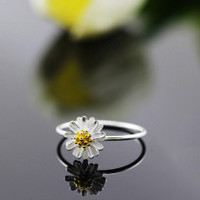 100% Silver Sterling Daisy Pinky ring