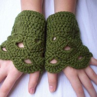 gloves yasofingerless green oil wool lace by yasoknitting on Etsy