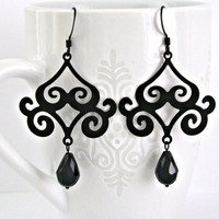 Oriental filigree black earrings by Lbtoyos on Etsy