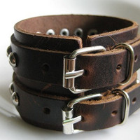 Adjustable buckle bracelet leather bracelet men bracelet made of brown leather and double metal buckle wrist bracelet  SH-2022