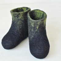 Halloween baby children felted booties - Ready to ship (EU 23/ UK 6/ US 7) - Unisex  / Black / Eco wool / Toddler kids slippers / home shoes