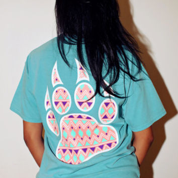 Bobcat Claw Tribal Pink & White Pocket Short Sleeve - Seafoam