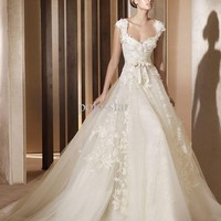 Wedding dresses 2012 Aglaya Organza Off-shoulder lace appliq...USD 209.00/Piece Wholesale Price at DHgate.com