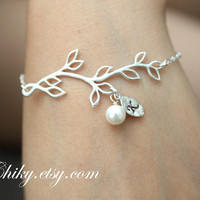 #Leaf branch #pearl bracelet #initialized bracelet #bridesmaids gifts #wedding jewelry #STERLING SILVER #personal