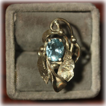 Sterling Silver Ring with Pale Blue Aqua Marine Stylized Ring Size 7
