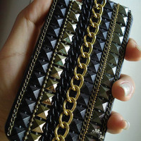 Studded Punk iPhone case, Rivet and metal Chain Unique iPhone 4s case, iPhone 4 case Hard iPhone Case/Cover