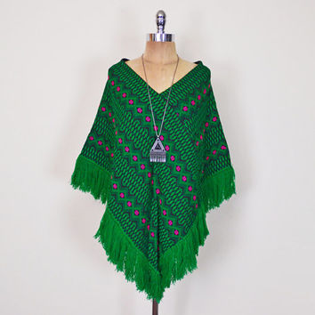 Vintage 70s Green Ethnic Mexican Embroider Poncho Cape Shawl Jacket Top Mexican Poncho Fringe 70s Poncho Hippie Poncho Boho Poncho S Small