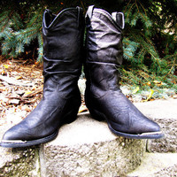 vintage black leather Dingo boot with steel tipped toes. size 7M. western boot