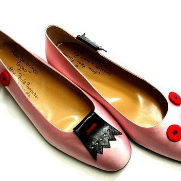 LAS BAILARINAS LOCAS: THE PINK ONES WITH BUTTONS by hearth on Sense of Fashion