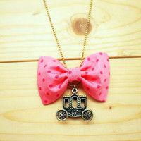 Bow Necklace, Pink Polka Dot, Carri.. on Luulla