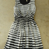 Hypnotizing Indie Lines Dress [2646] - $36.00 : Vintage Inspired Clothing &amp; Affordable Fall Frocks, deloom | Modern. Vintage. Crafted.