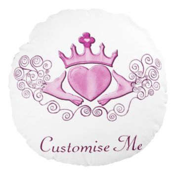 The Claddagh (Pink) Round Pillow
