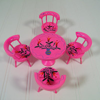 Vintage Hand Painted Wooden Round Table with 4 Matching Chairs - Retro Fashion Doll Furniture Made in Japan - Hot Pink ToleWare Painted Set