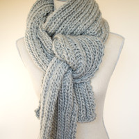 Chunky Gray Knit Scarf, Ready to Ship, Modern Fall Scarf, Winter Scarf, Silver gray knit scarf, Unisex