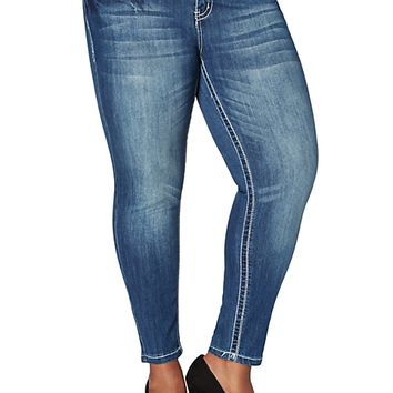 Plus Sequin Stitched Jegging in Short