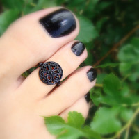 Toe Ring, Black Hearts, Round Metal Goth Bead Toe Ring