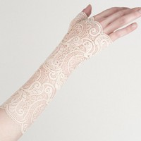 Ivory lace fingerless gloves by MetamorphDK on Etsy