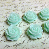 Light Mint Green Flower Cabochons (6)