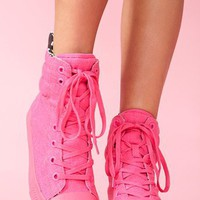 Nexxus Sneaker - Neon Pink