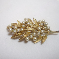 Vintage Brooch Pin ART pearl bead gold tone leaf design for Autumn Fall costume jewelry