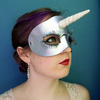 Unicorn leather mask in silver