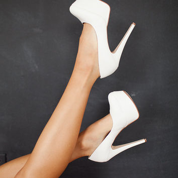 So Romantic Heeled Pumps White - Modern Vintage Boutique