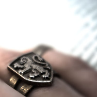 Inscribed Gryffindor Crest Ring - Size 8.5