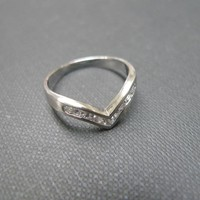 Wedding Ring With White Sapphire In.. on Luulla