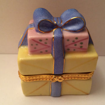 Vintage Limoges Stack of Presents Gifts with Blue Bow Trinket Style Box in Pink Yellow Blue Goldtone Metal Trim with Golden Bow Clasp