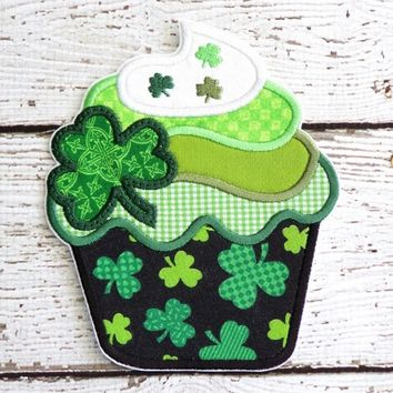 St. Patrick's Day Cupcake Iron On Or Sew On Fabric Applique
